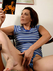 Fingering Galleries