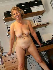 Mature Secretary Porn Pics